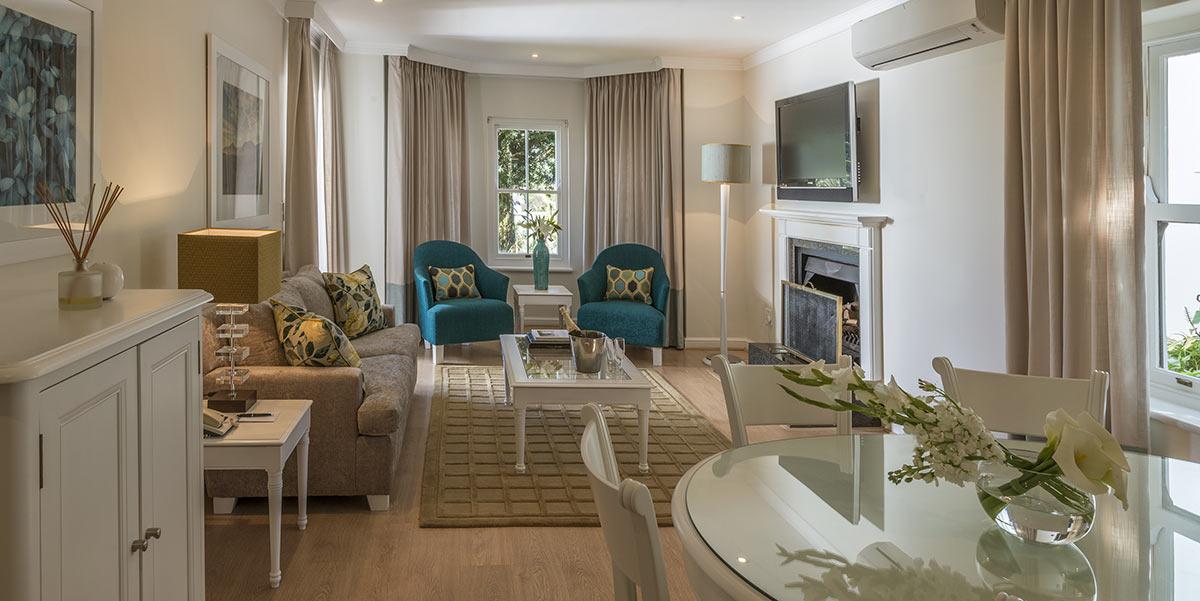 Fancourt-Hotel_One_Bedroom-Suite-2.jpg