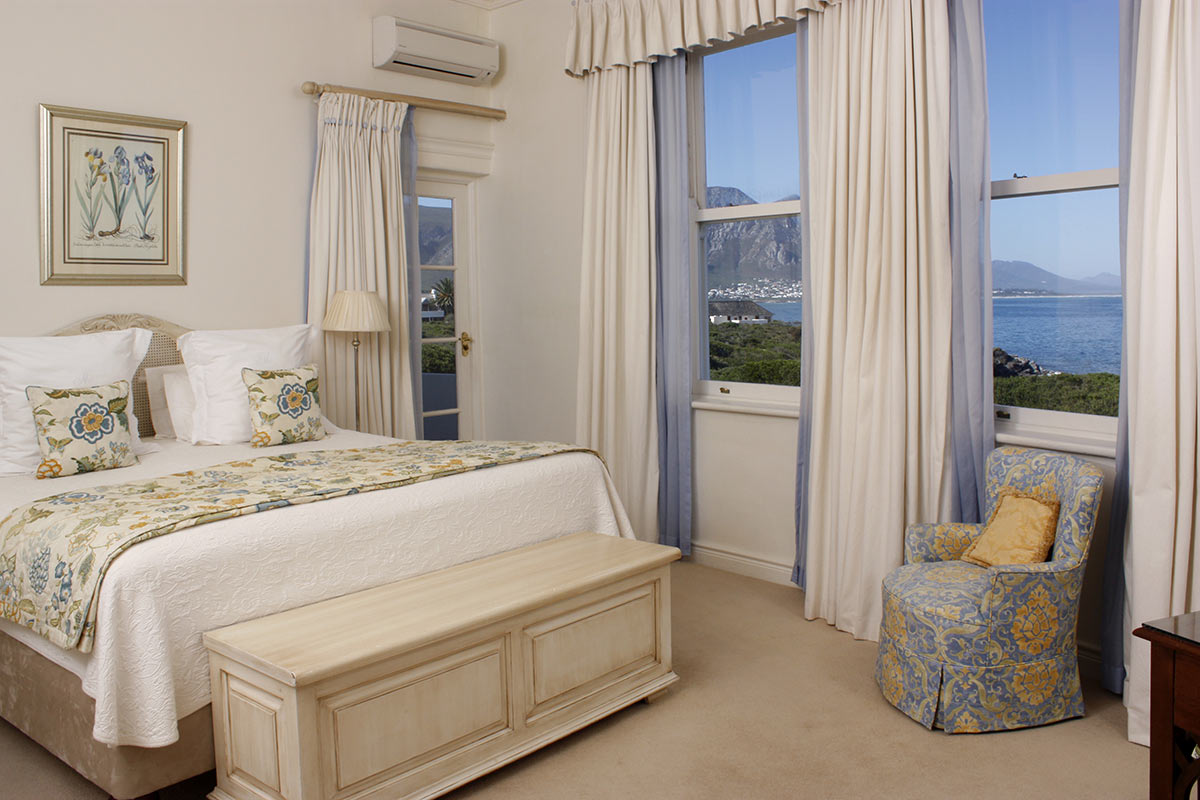 The-Marine-Hermanus_Premier-Suite-Bedroom-1.jpg