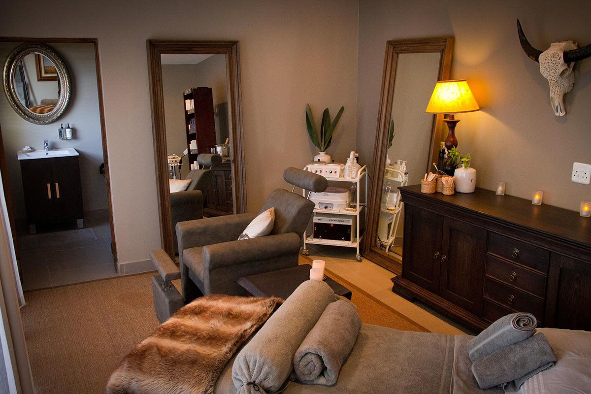 Jamala-Madikwe-Royal-Safari-Lodge_Royal-Spa-Treatment-Room.jpg