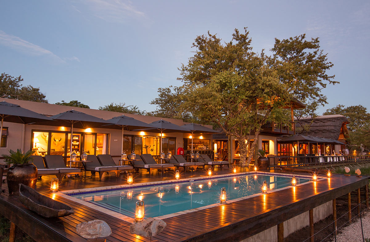 Jamala-Madikwe-Royal-Safari-Lodge_Main-Pool.jpg