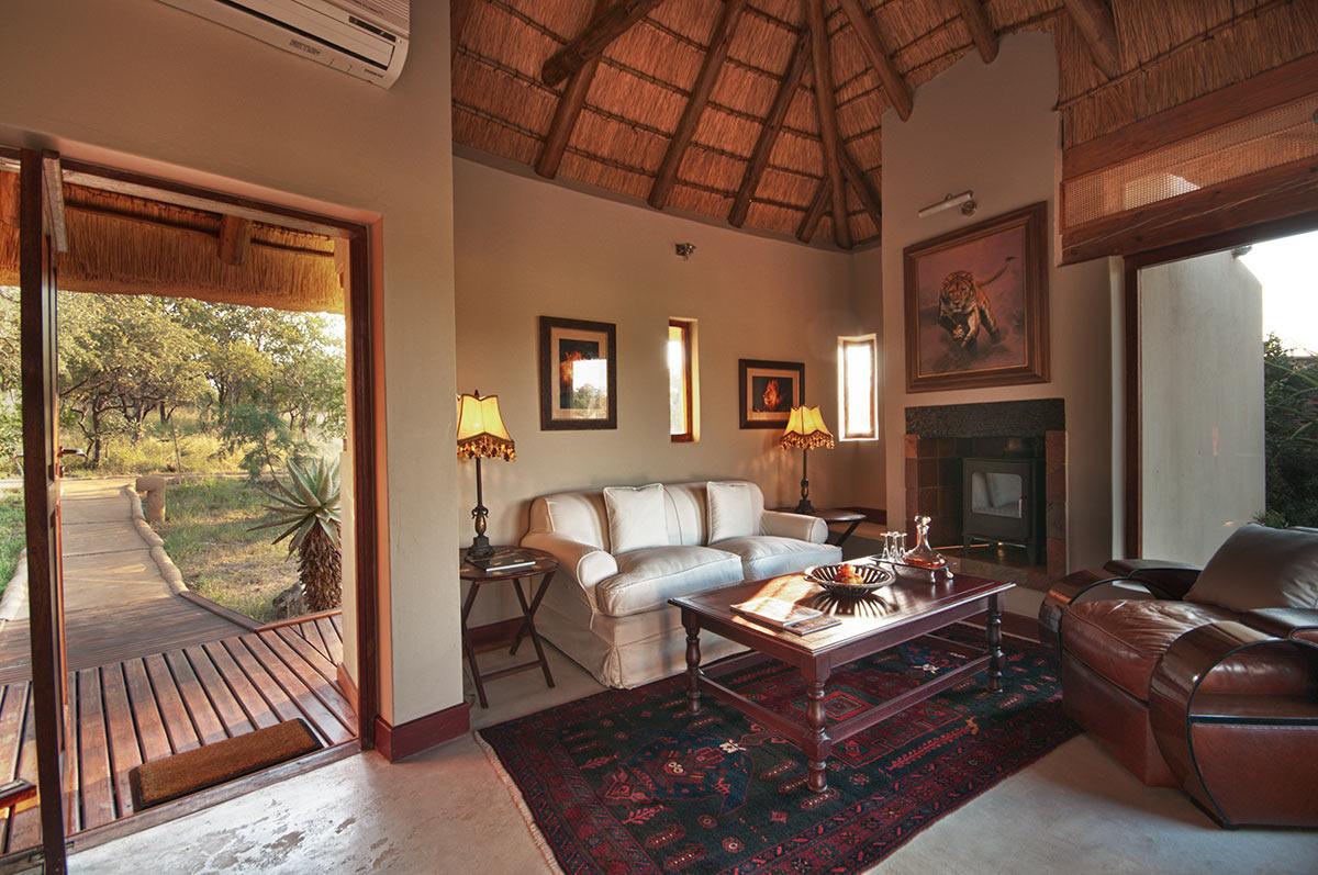 Jamala-Madikwe-Royal-Safari-Lodge_Villa-6.jpg