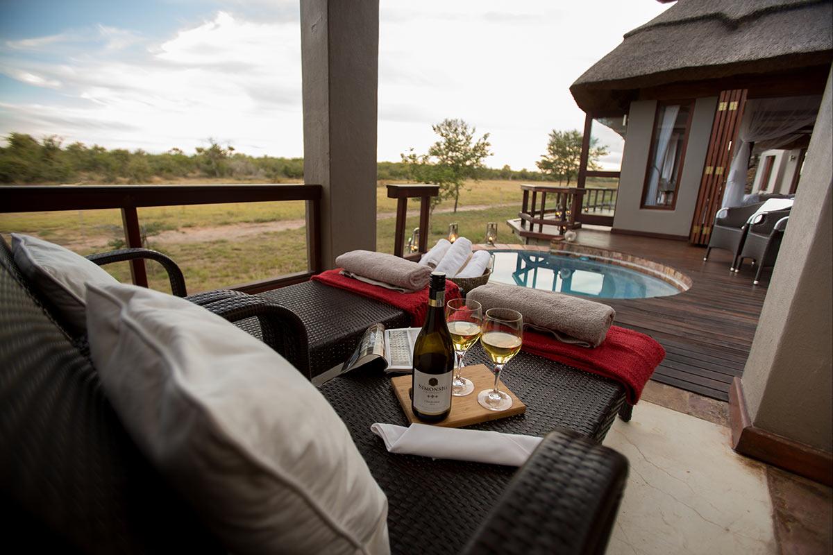 Jamala-Madikwe-Royal-Safari-Lodge_Villa-Pool-Deck.jpg
