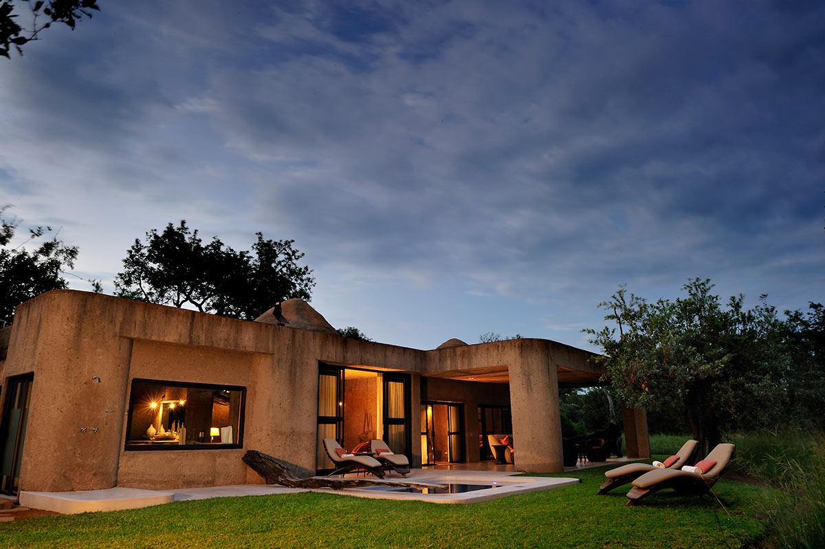 Sabi-Sabi-Earth-Lodge_Amber-Presidential-Suite-Exterior.jpg