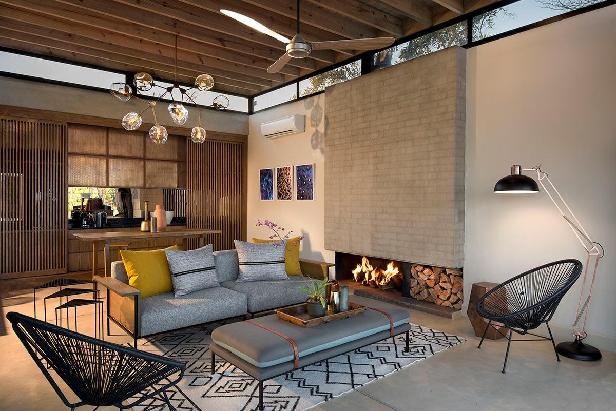 Lion-Sands-Ivory-Lodge_Jacana-Suite-Private-Lounge.jpg