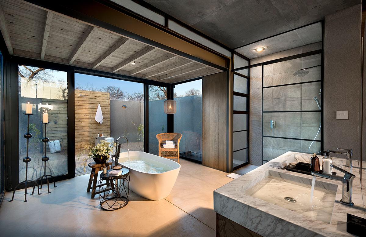 Lion-Sands-Ivory-Lodge_Suite-Bathroom.jpg