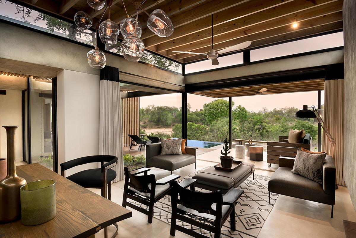Lion-Sands-Ivory-Lodge_Suite-Lounge.jpg