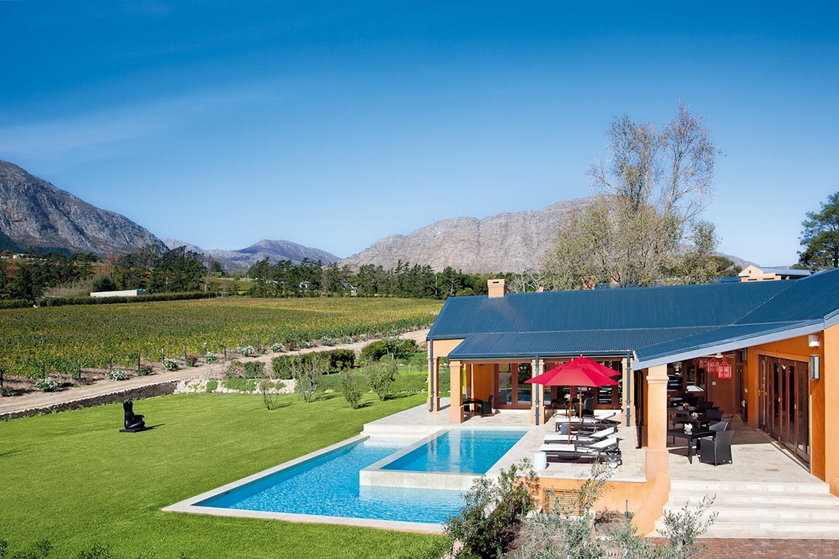 La-Residence_Vineyard-Suite-Pool.jpg