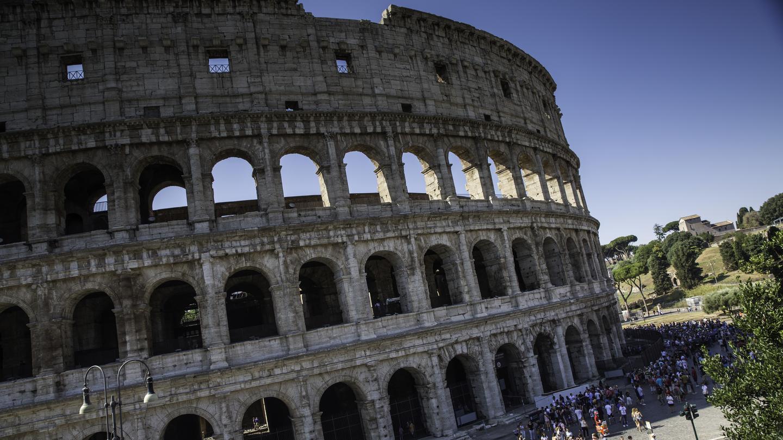 itinerary_lg_Italy_Rome_Colosseum_Ancient_Ruins_-_IMG3889_Lg_RGB.jpg