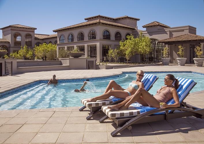 Sante-Wellness-Retreat-Outdoor-Pool.jpg