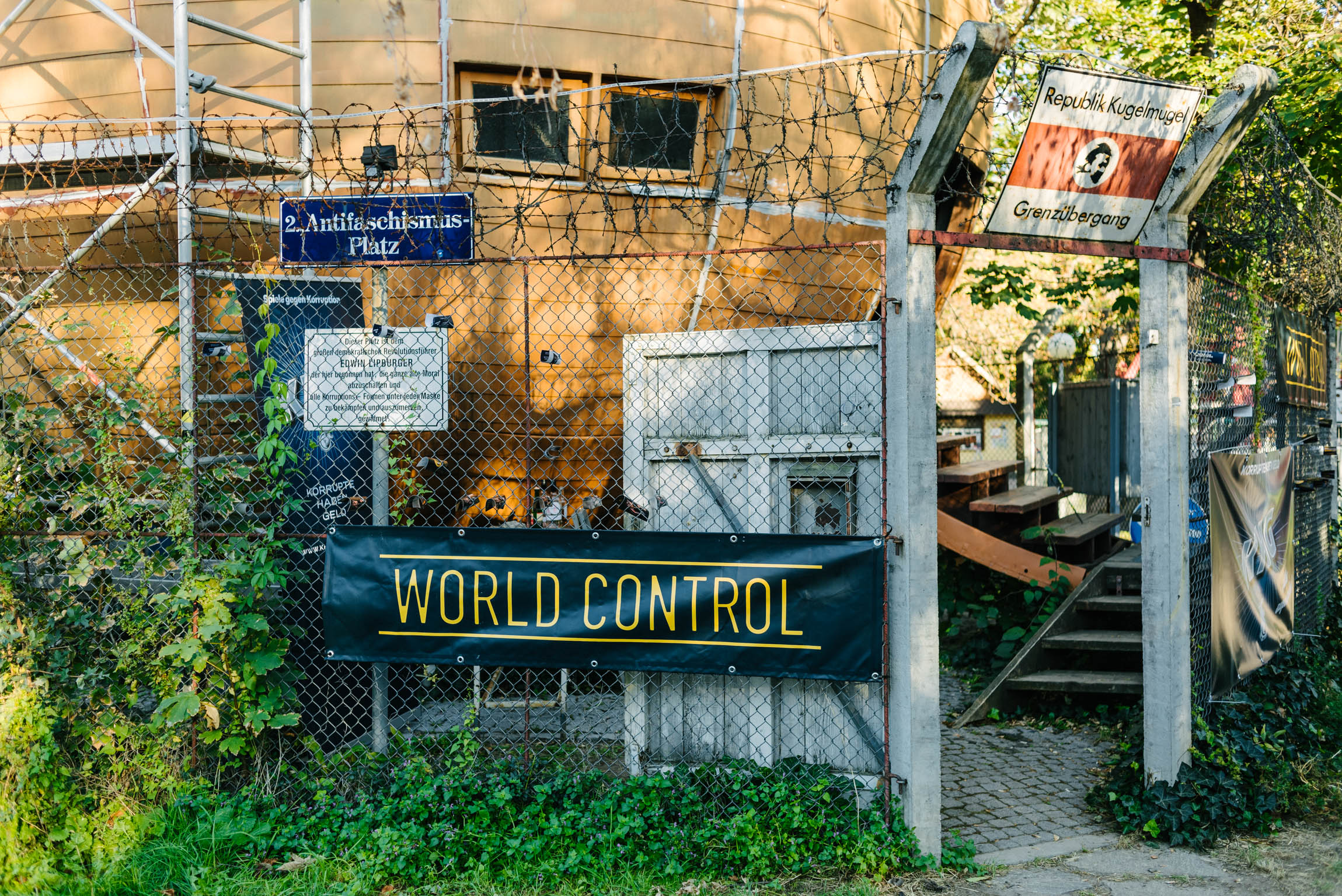 WORLD CONTROL – DAS TOTALE BRETTSPIEL  imago.im