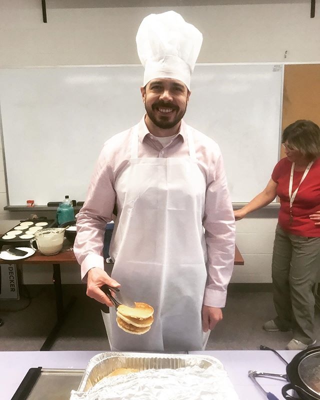 Successful MNI charity breakfast this morning at Western! For those who didn't get to see me in my awesome getup it will forever be posted here. 🥞
