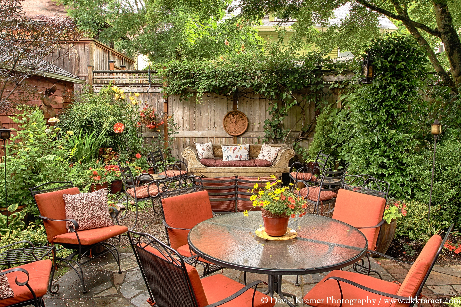 05 LNA-BrickHouse-Garden3-DKPhoto.jpg