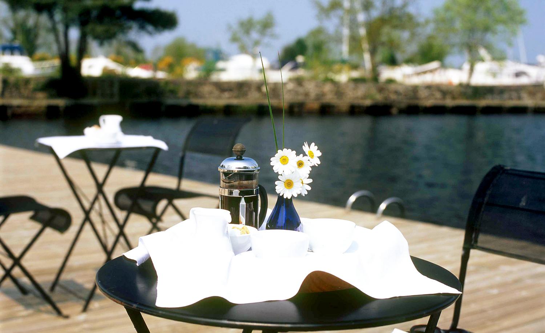 1-Breakfast on Deck with Daisies HR.jpg