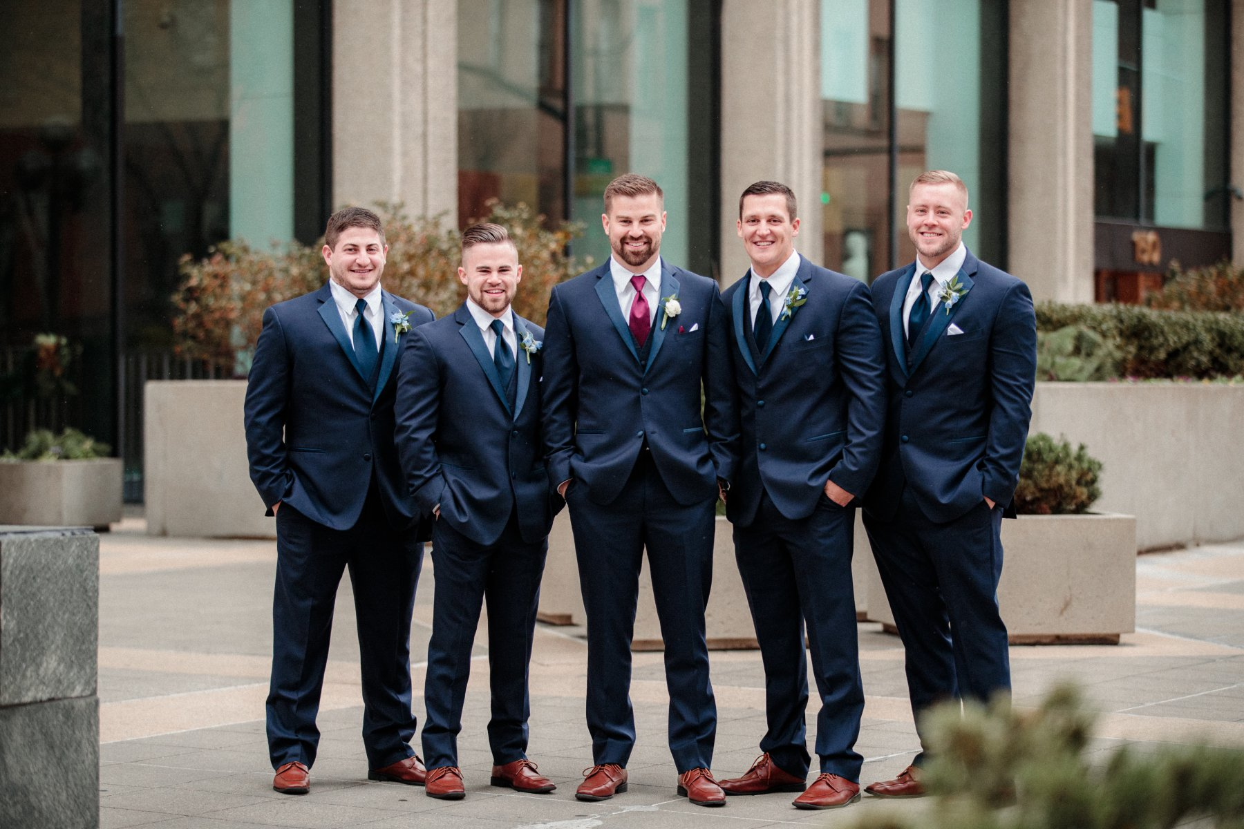 Groomsmen Poses - Professional Photographer Ohio