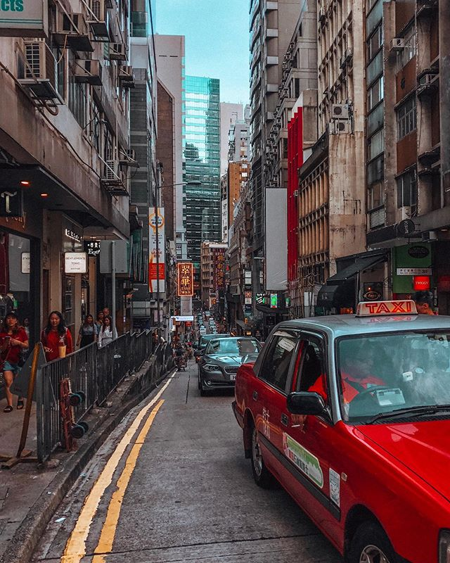 Stay safe Hong Kong 🇭🇰 It's awful seeing the wonderful, vibrant city that you grew up in being pulled apart at the seams, the very nature of it being threatened. It's even worse that I can't be there to support my fellow HKers. Instead, I am forced to watch from afar. - - To learn more about the situation, head to my instastories or visit @scmpnews.  #hongkong #umbrellarevolution #westandunited