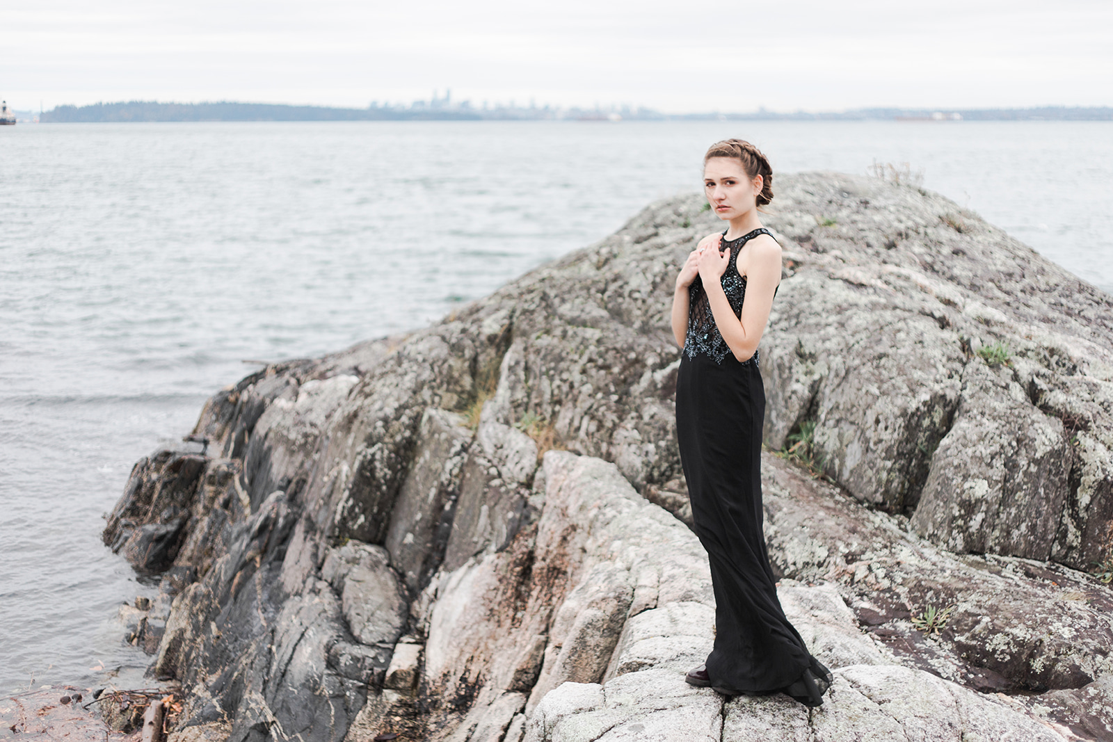 Waves at Whitecliff Park Vancouver Wedding Photographer