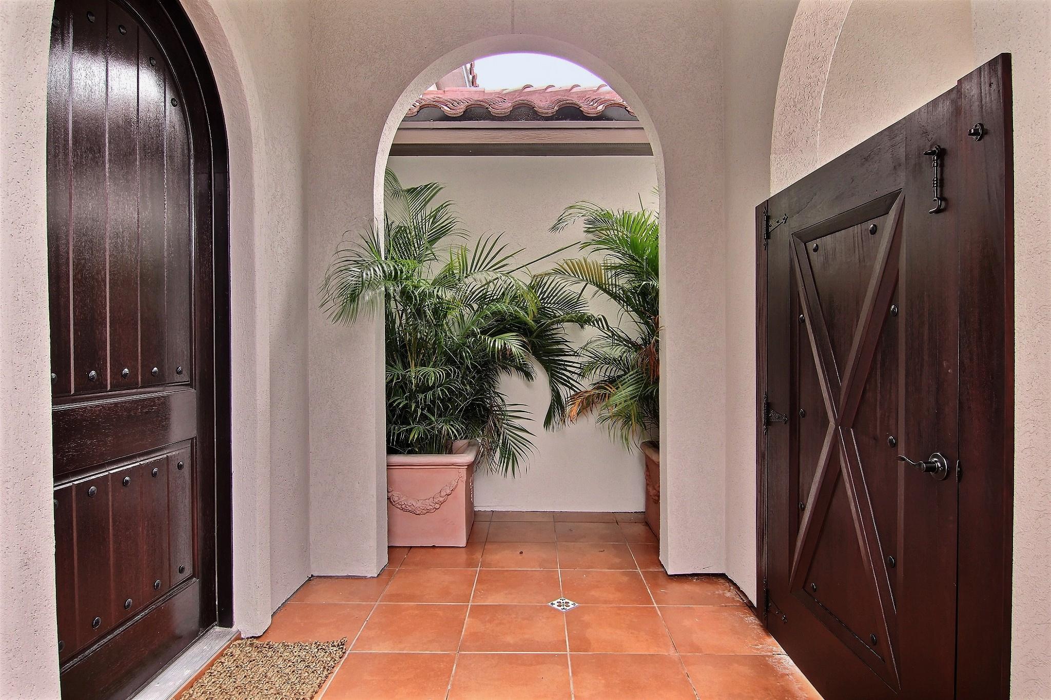 Entrance (3).jpg
