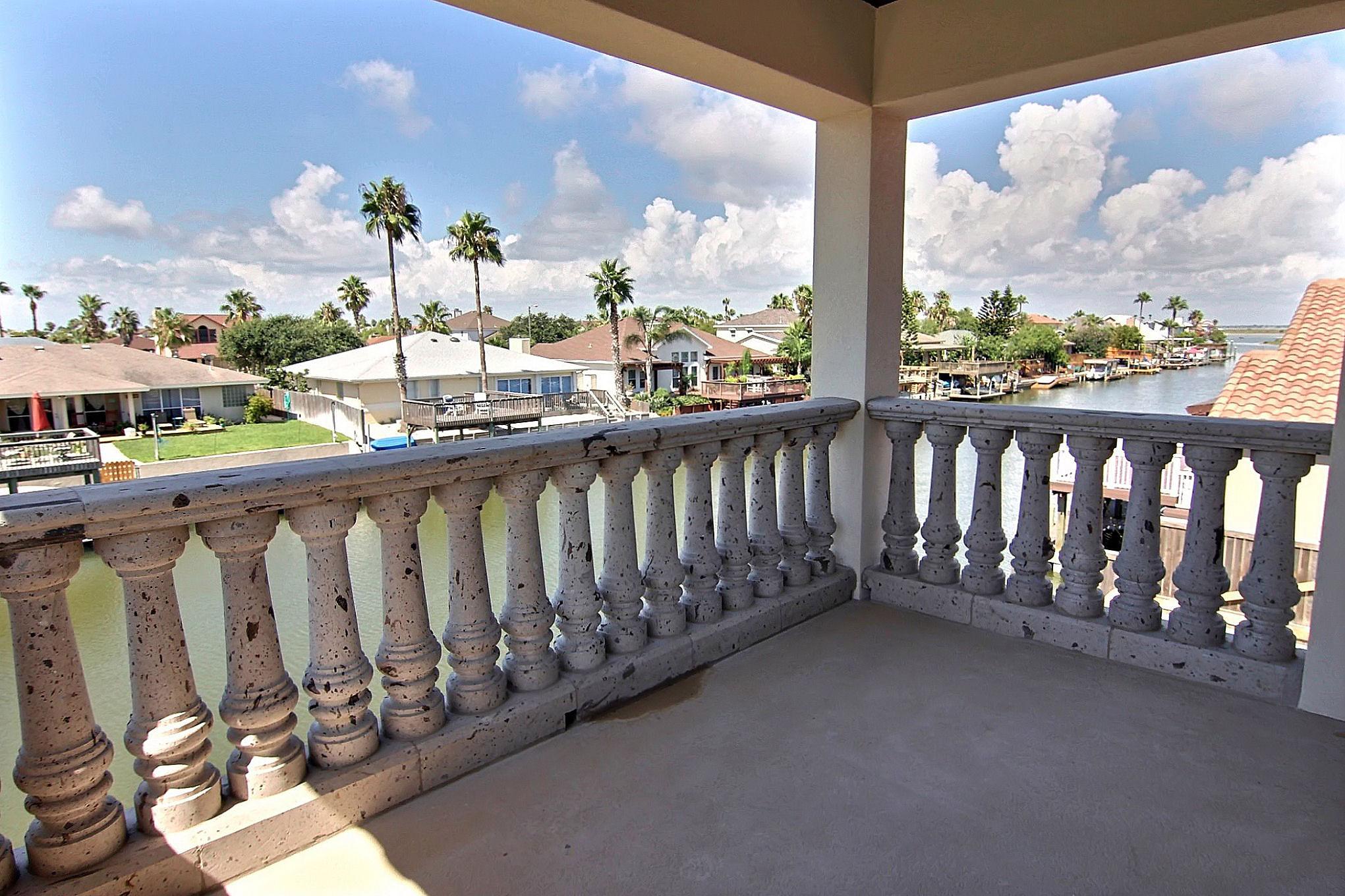 Balcony (4).jpg
