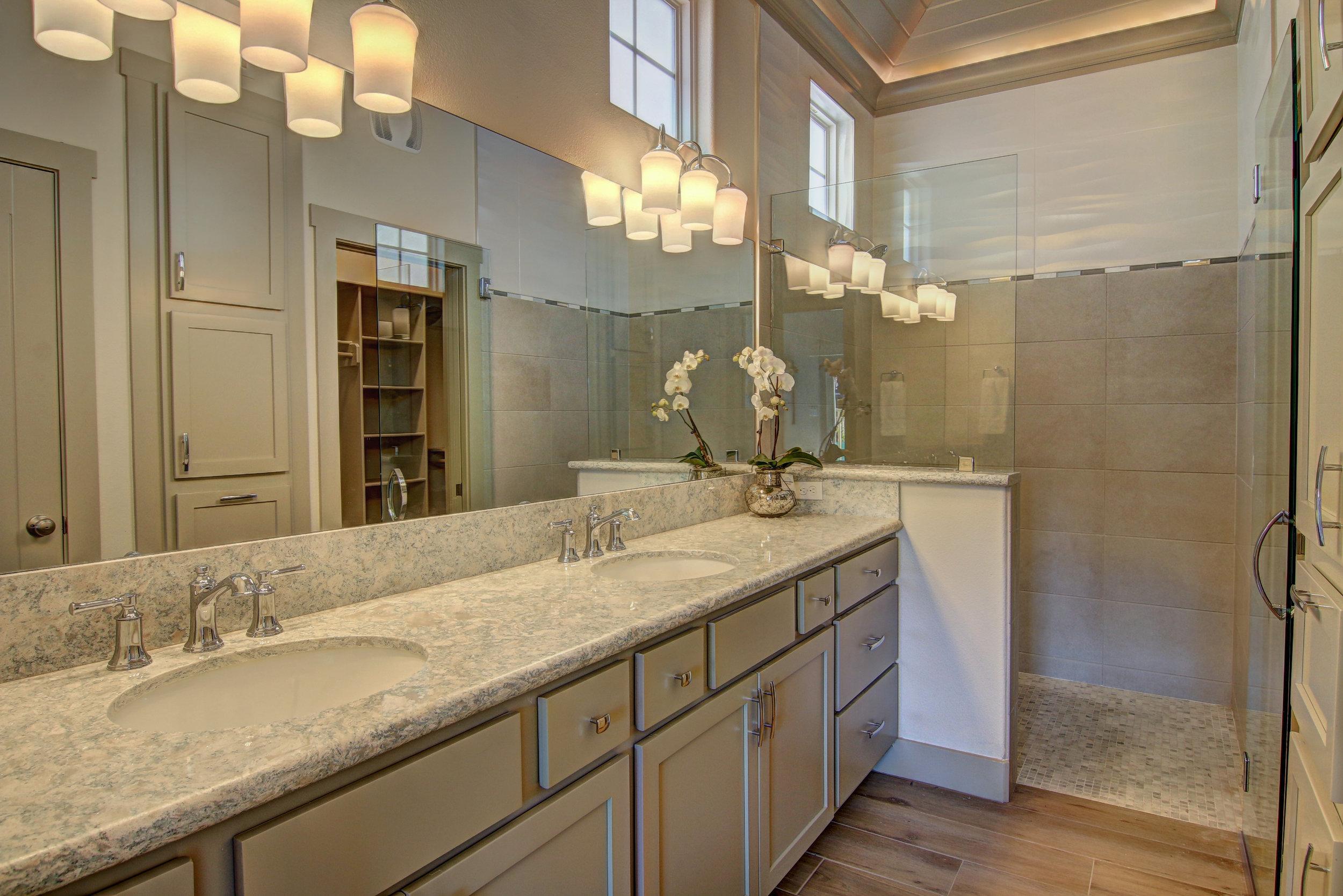 Master Bathroom (2).jpg