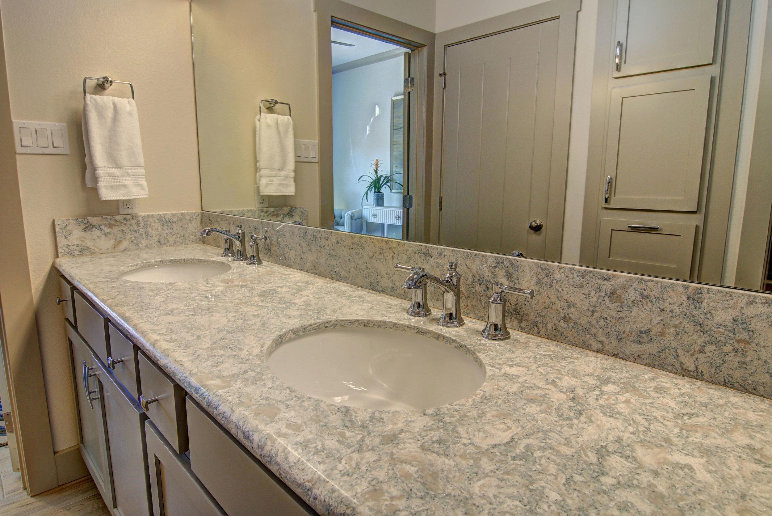 Master-Bathroom-(1).jpg