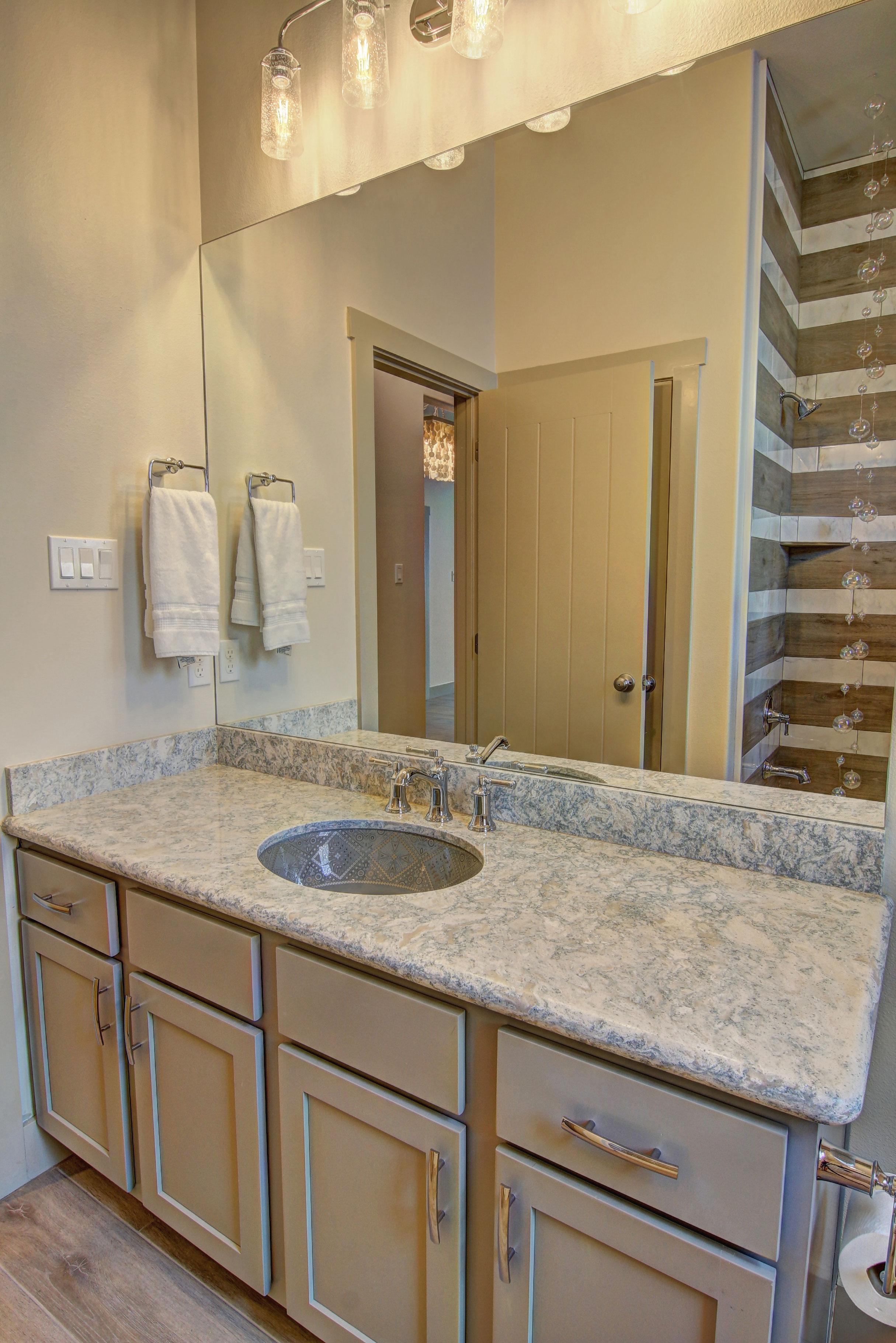 Second-Bathroom-(1).jpg