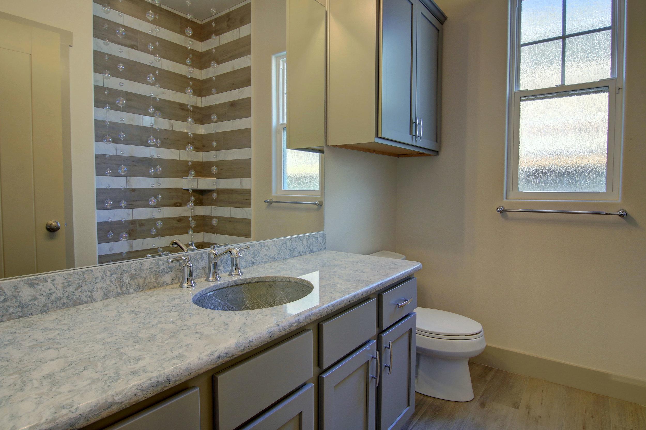 Second-Bathroom-(3).jpg