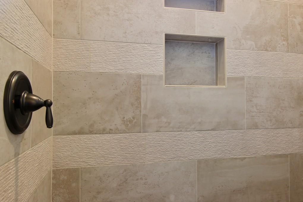 Master Bathroom (5).jpg