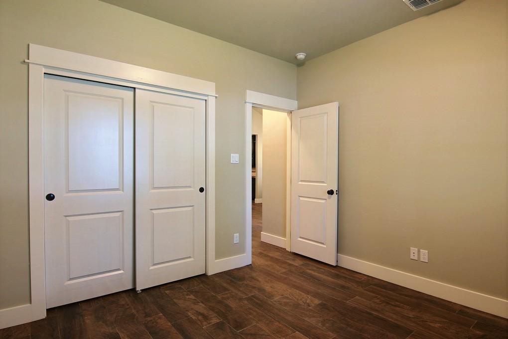 Second Bedroom (2).jpg