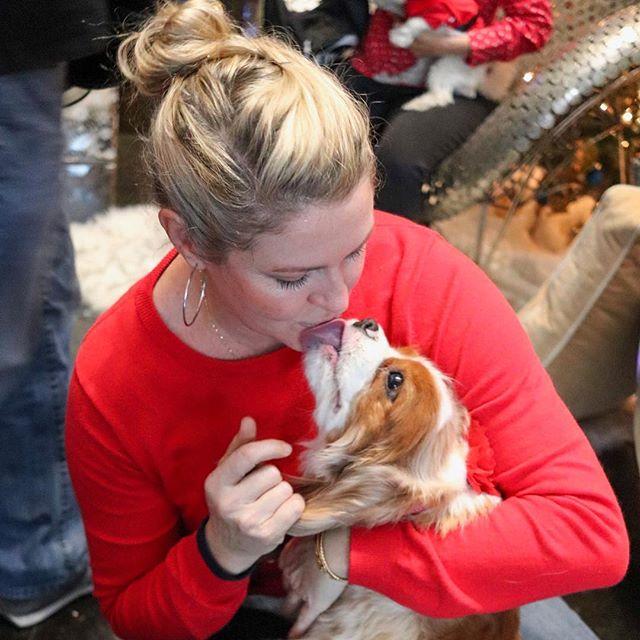 Puppy love 📸@lauramoonzi