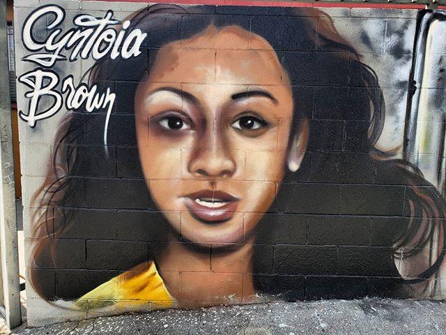 After spending 15 years behind bars she should have never had to spend, today, Cyntoia Brown is free.  Mural by @muckrock on Venice Blvd. . . . . 🌍 Find it on the map! --  MuralMapLA.com . . #muralmapla #mural #muralart #urbanwalls #urbanart #streetart #artist #art_spotlight #paintthechange #paint #graffiti #streetarteverywhere #streets #losangeles #streetsofla #neighborhood #community #publicspace #publicart #artsforla #beautifyearth #worldtour #artaroundtheworld #publicspace #losangeles #lastreetart #travel #getoutside #wanderlust