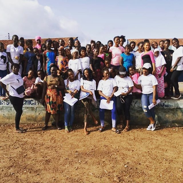 PAYING IT FORWARD UPDATE!👩‍🎓➡️ Our Mentors (University girls) recently had a meeting with the parents and guardians of their mentees. The goal was to educate everyone on the focus of the mentorship and the schedule for support moving forward in the upcoming school year. 🇸🇱❤️✍️✏️📗 #GirlsGivingBack #StrongYoungWomen #IndependentWomen#AngelstoAngelsSL #nonprofit #weLOVEourSPONSORS #educateourgirls #girlseducation #empowerment #knowledgeispower #sierraleone #thefutureisfemale #girlseducationSierraLeone #educationsponsorship