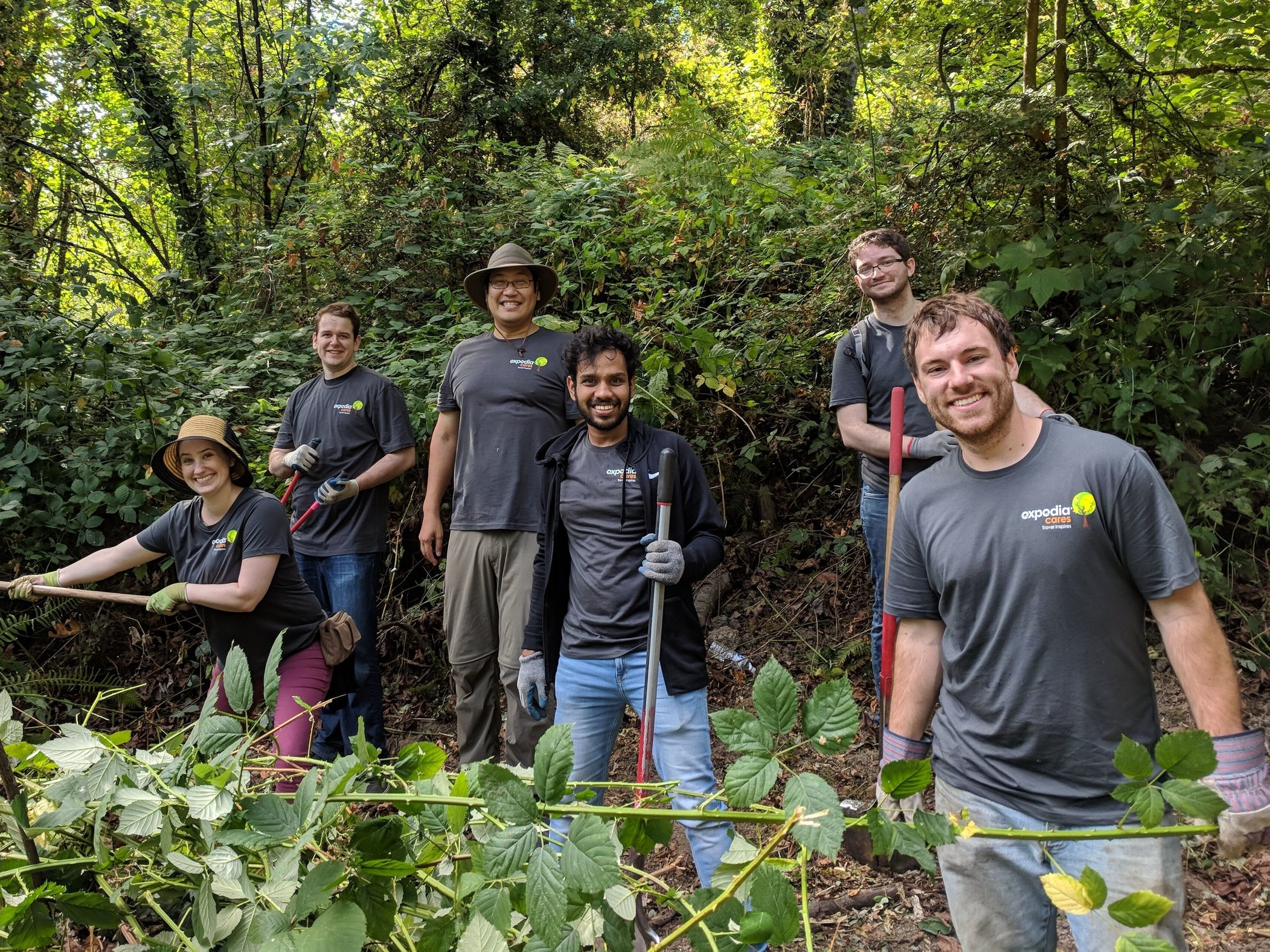 Bellevue+Long+Park+Cleanup-+Day+of+Caring+2018.jpg