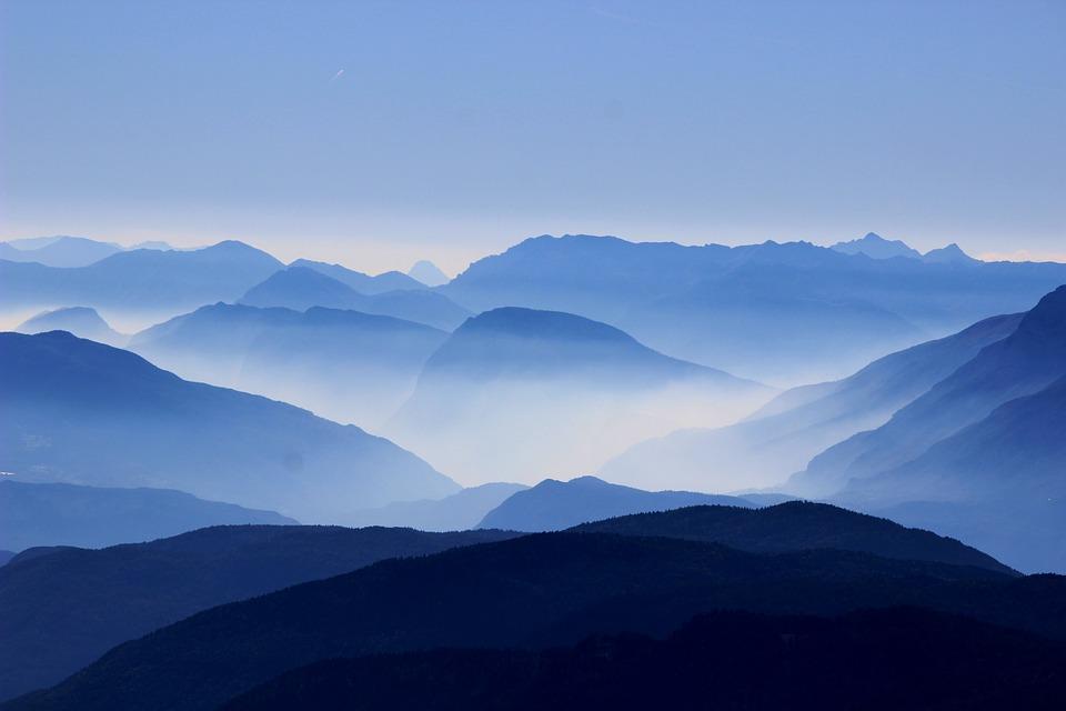 mountains-863474_960_720.jpg