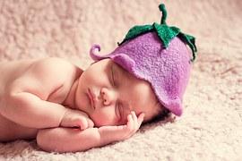 newborn-1328454__180.jpg