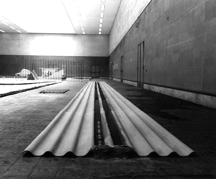 Abandoned Situation , 1971 放置状況 ( H  ōchi Jōkyō ) Corrugated slate sheets, cement, water, ink 10 x 200 x 2200 centimeters Installation view,  10th Contemporary Art Exhibition of Japan ,Tokyo Metropolitan Art Museum, Tokyo, 1971. Photo: Shigeo Anzaï