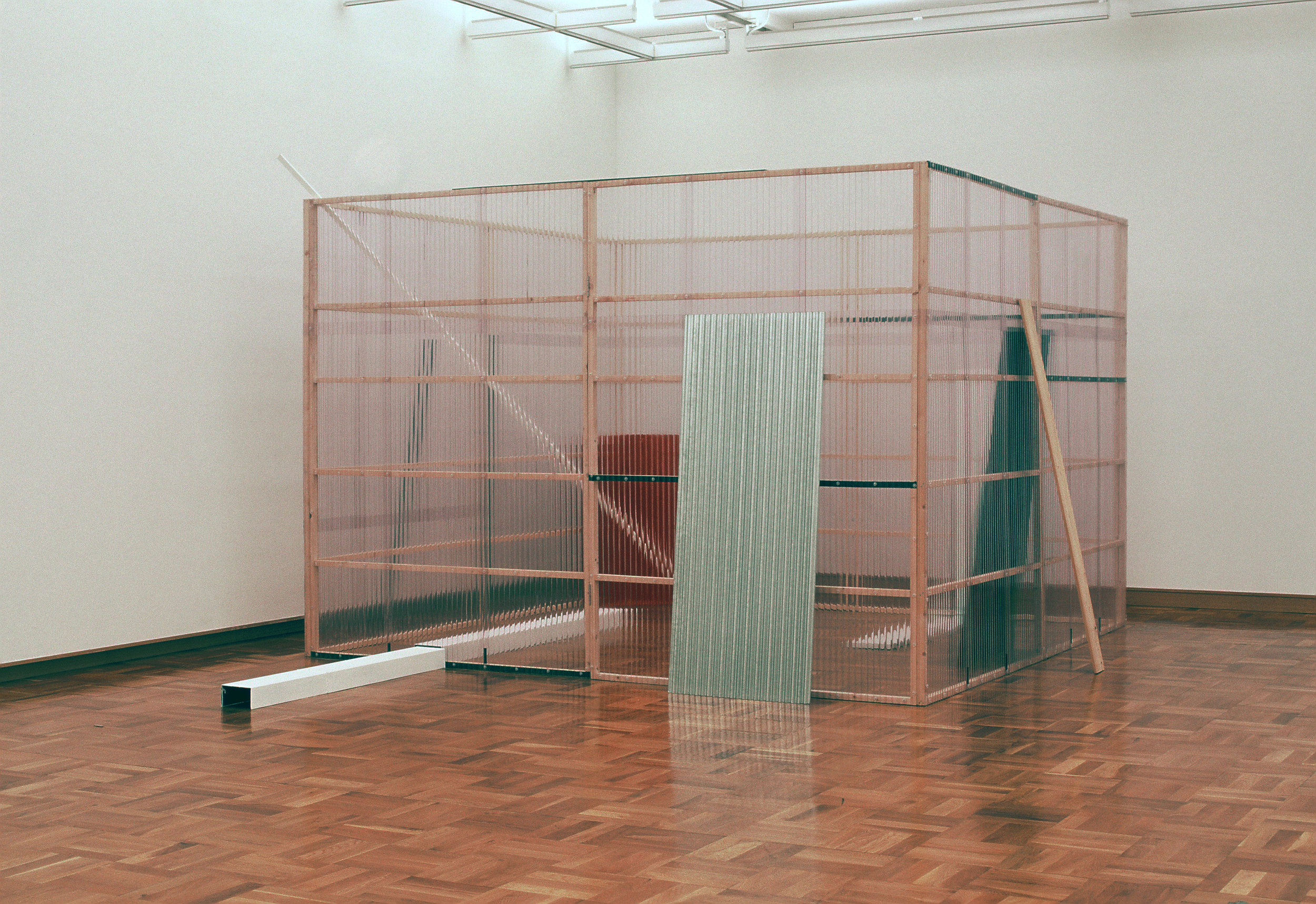 Concealed and Enclosed Surroundings , 1997 包囲周閉 ( Hōi Shūhei ) Wood, paint, metal bars, corrugated metal, corrugated plastic 250 x 340 x 340 centimeters Installation view,  Kishio Suga , Hiroshima City Museum of Contemporary Art, 1997 Photo: Tsuyoshi Satoh