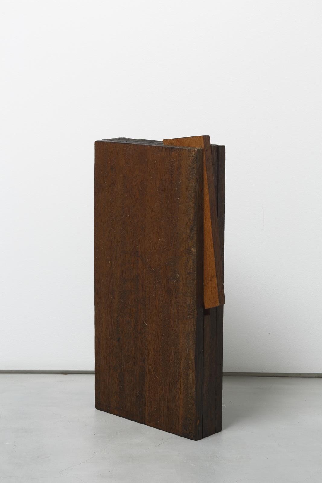 Kishio Suga  Detached Space on the Edge,  1980 辺の離空 ( Hen no Rikū ) Wood, varnish19 3/4 x 10 3/4 x 2 3/4 inches 50.2 x 27 x 7 centimeters