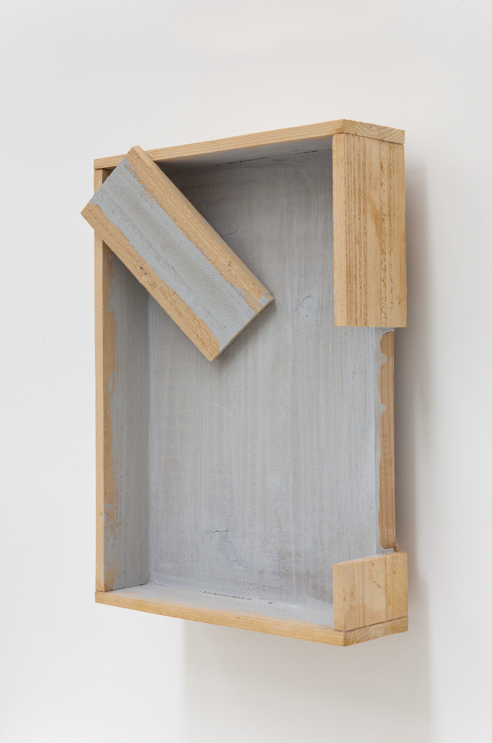 Channel , 2005 流水溝 ( Ryūsuikō ) Wood, acrylic 16 1/2 x 11 7/8 x 5 1/2 inches  42 x 30 x 14 cm