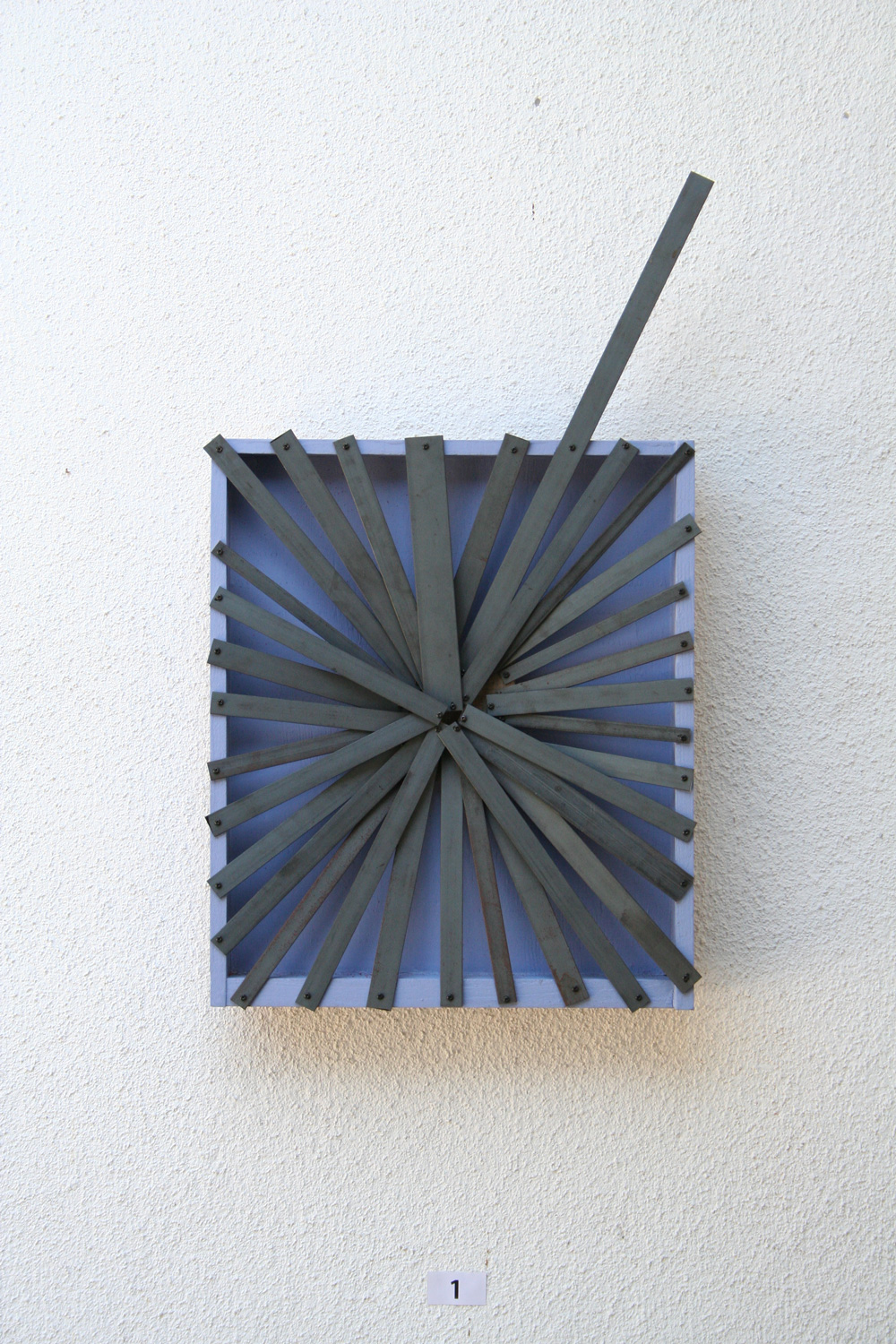 Concentrating , 2009 集向化 ( Shūkōka ) Wood, steel, acrylic 27 1/8 x 15 3/4 x 2 3/8 inches 69 x 40 x 6 cm