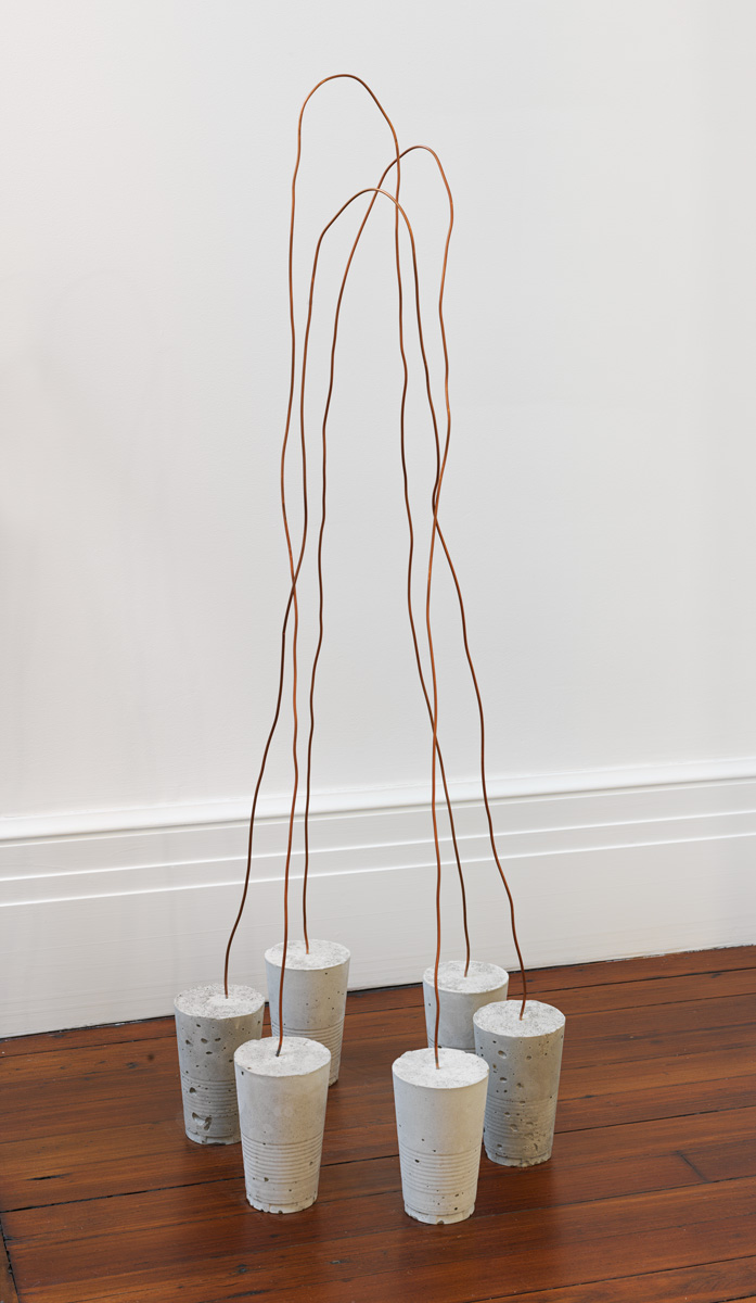 Scenery of Space , 2010 景空 ( Keikū ) Wire, concrete Three pairs; installed dimensions variable