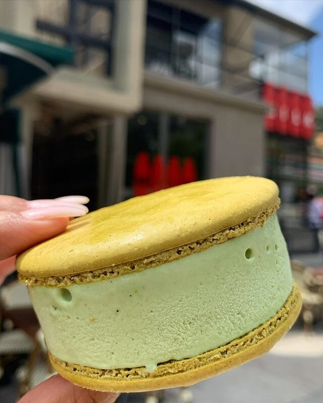 Our pistachio ice cream macarons are back at both locations starting today! Our delicious pistachio ice cream is available by the scoop, pint or ice cream mac 😍 #madeinLA #treatyoself #pistachio