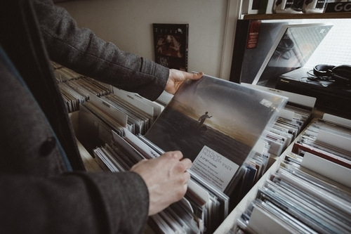 FEATURE: King of the Crate Diggers: Twelve Awesome, Sample