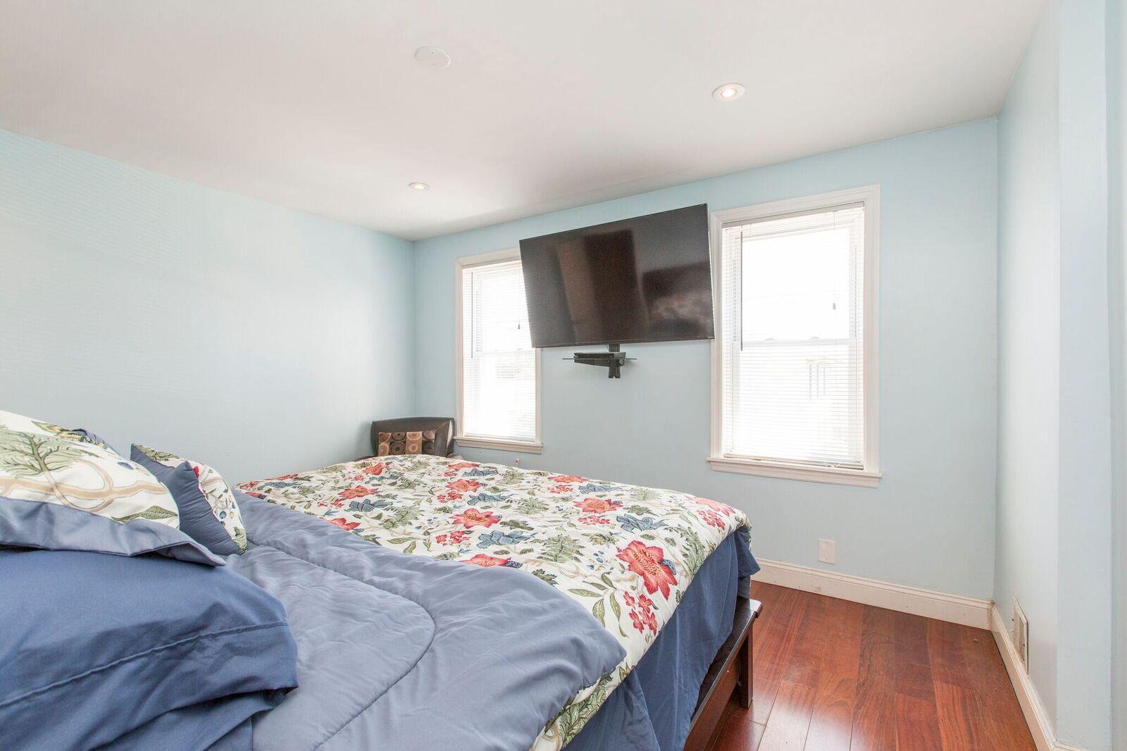 bedroom1 2.jpg