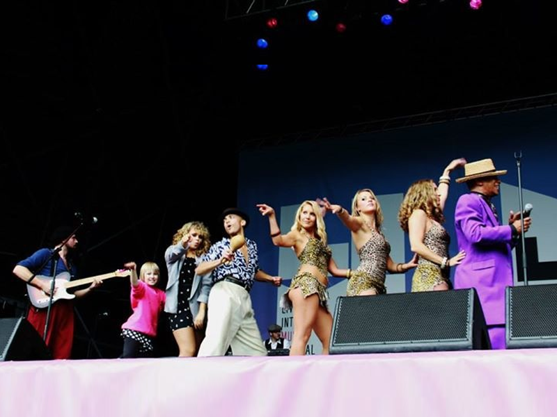 Kid Creole & The Fabulous Coconut Girls On Stage @ the LIMF