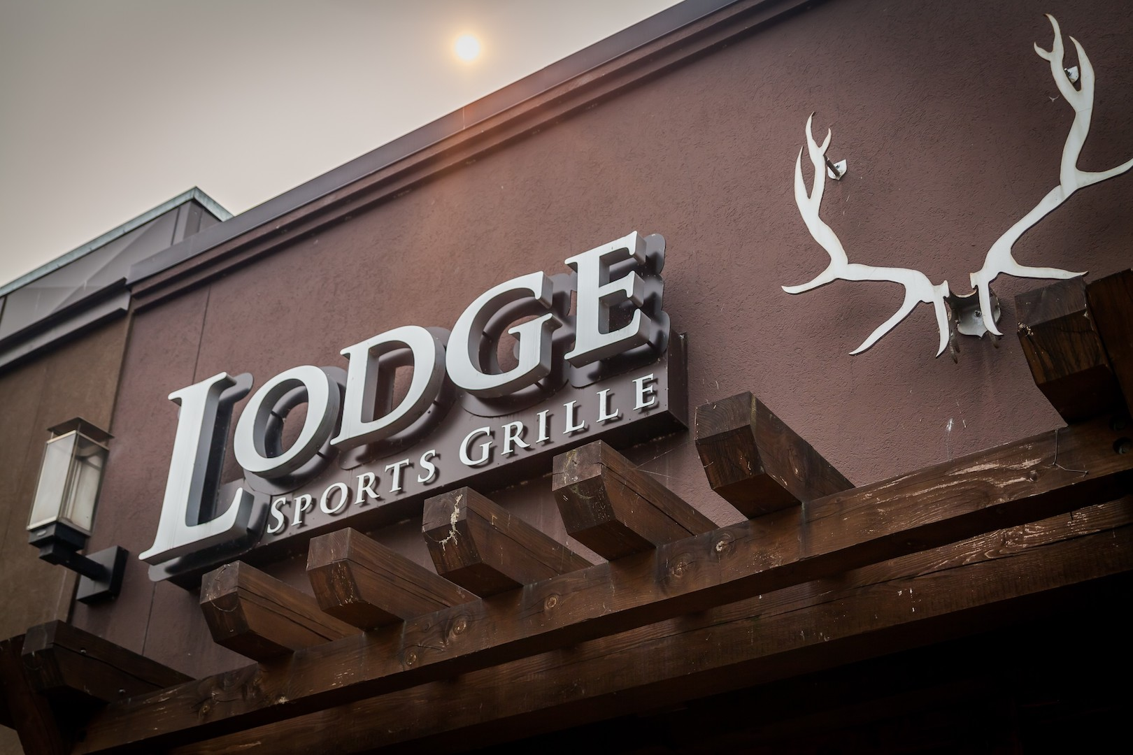 LODGE SPORTS GRILLE