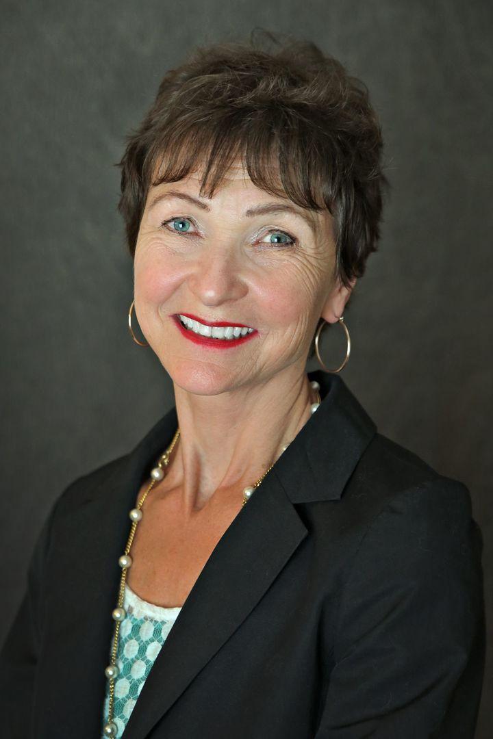 SUZANNE KOHL