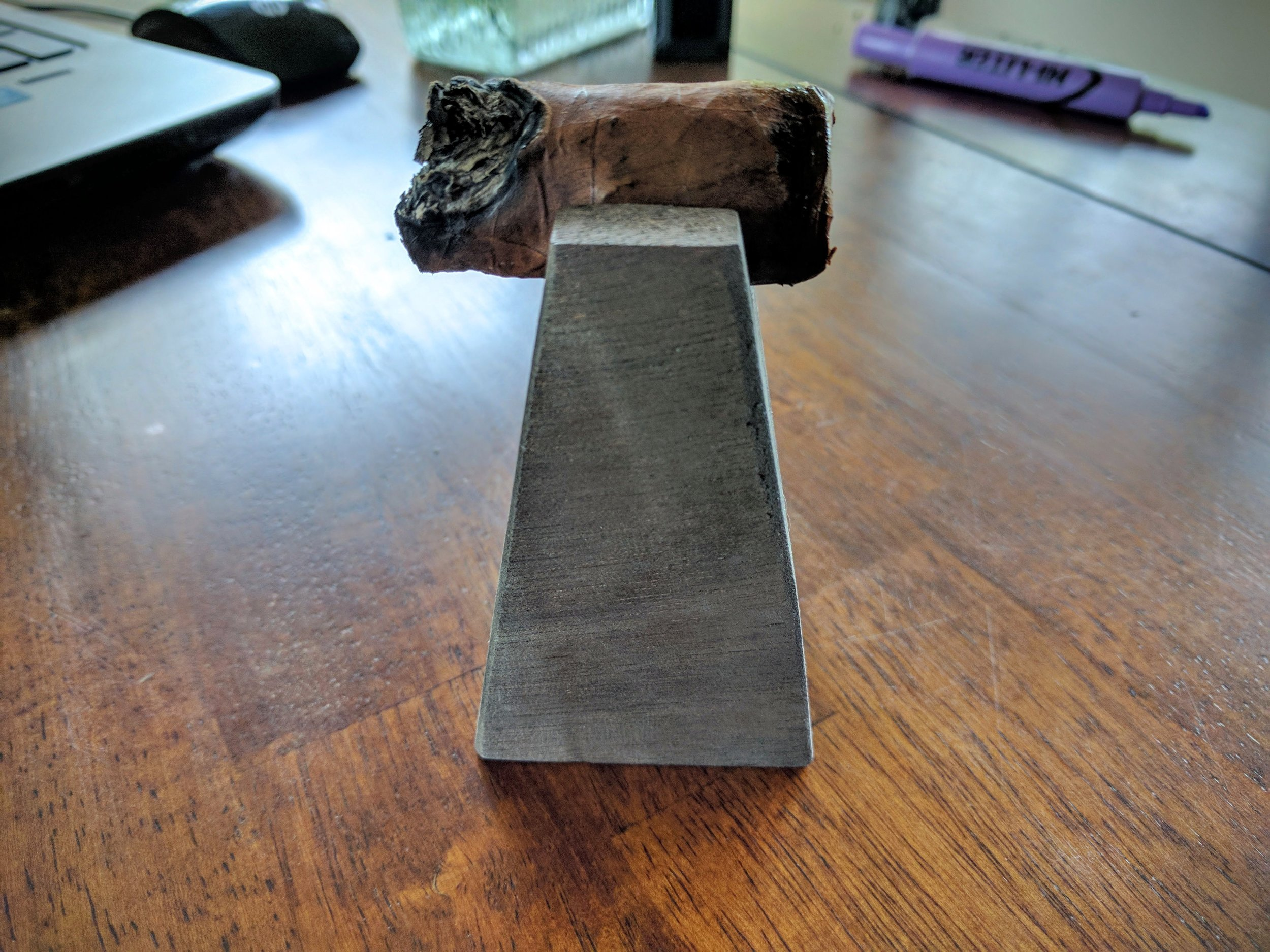 good but exaggeratted  7.9/ 10.0 - Cigar Fed's site hypes this cigar quite a bit – saying it comes from the same factory producing $50 a stick smokes and in Vegas you'd pay 10x what's it's listed for on the website. I mean, $50 a stick is very elite company and I just don't ever see this cigar being a $50 cigar. What it is for certain is a $5 to $10 cigar – and it delivers at that price-point fantastically. The flavors are interesting but singular and non-evolving. It's kinda one-note, but in a pleasant way. All-in-all, really good smoke – $50? Hell no. $10? sure, why not?