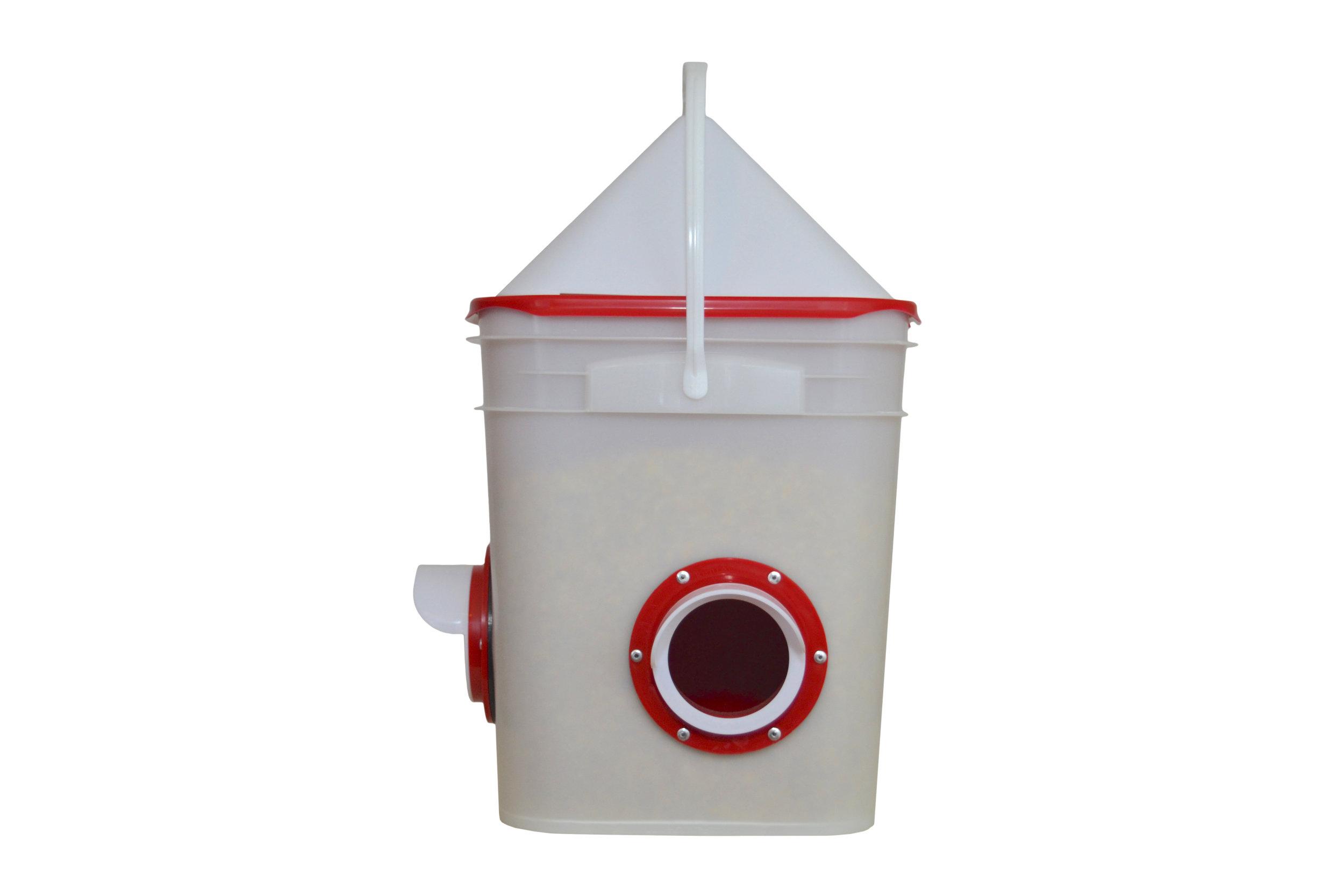 Bucket Port Feeder
