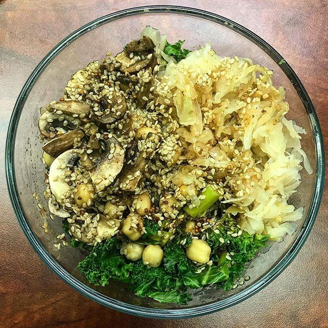 I wasn't lying when I said I eat a kale bowl everyday. This time, with mushrooms! #bowloftheday #buddhabowl #veganeats #poweredbyplants #eatyourgreens #plantbased #vegan #lunchbreak