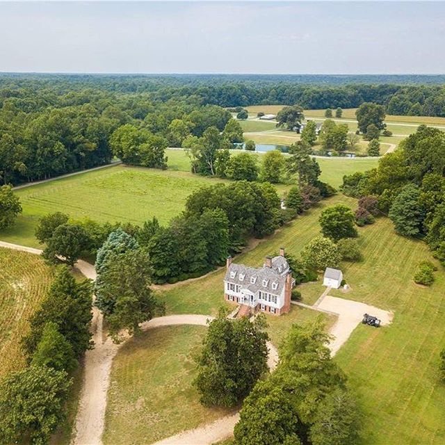 We've listed White Plains for sale y'all. We love the house and property (especially the #vineyard) but it's time for a new chapter. Thanks for following our journey! Here are the details: 4,525 square feet. 4 bedrooms, 3 baths on 51.96 acres for $1,195,000. For More Information: Monica Maney - Joyner Fine Properties - 804-548-5428 Photo Credit: Mick Anders  #oldhouselove #historichouse #historichouses #home #farm #forsale